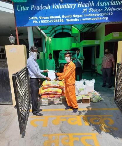 Contribution to Lucknow Nagar Nigam commuity kitchen